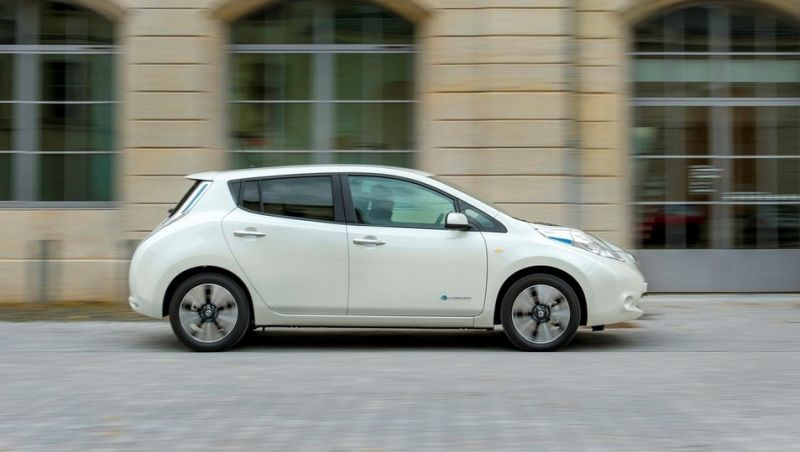 Nissan Leaf Side View