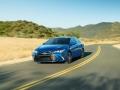 2017 Toyota Camry Hybrid Fetaured