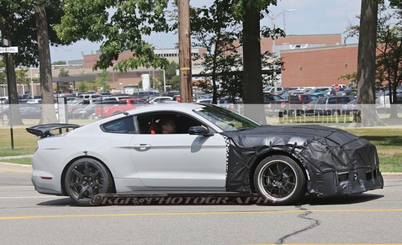 2018 Ford Mustang Shelby Side View