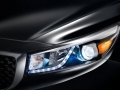 2018 Kia Sedona headlights
