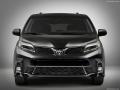 2018 Toyota Sienna black front end
