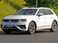 2018 Volkswagen Touareg front left