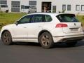 2018 Volkswagen Touareg rear left