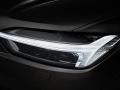 2018 Volvo XC60 headlights