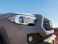2019 Toyota Tacoma headlights