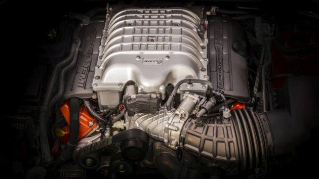 2017 Jeep Grand Cherokee Trackhawk engine 630x354