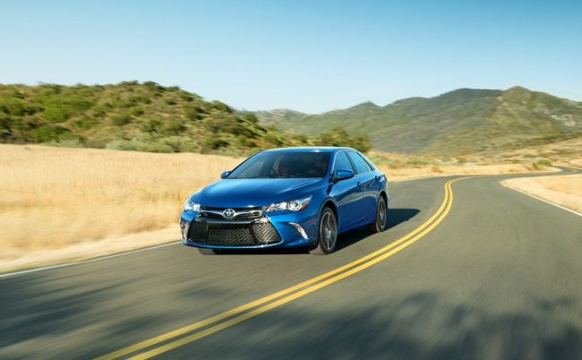 2017 toyota camry hybrid review release date price pictures. Black Bedroom Furniture Sets. Home Design Ideas