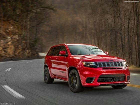 2018 Jeep Grand Cherokee Trackhawk exterior 560x420