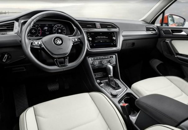 2018 Volkswagen Tiguan interior 605x420