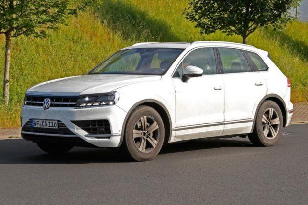 2018 Volkswagen Touareg profile 630x420