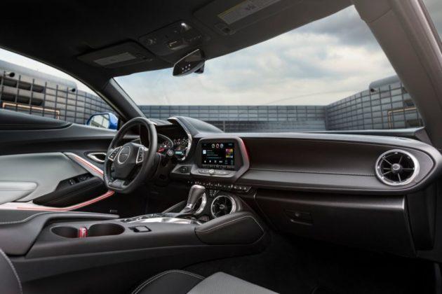 2019 Chevrolet Camaro interior 630x420