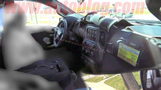 2019 Chevrolet Silverado interior 630x354
