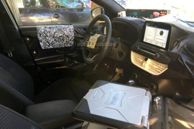 2019 Ford Focus interior 630x420