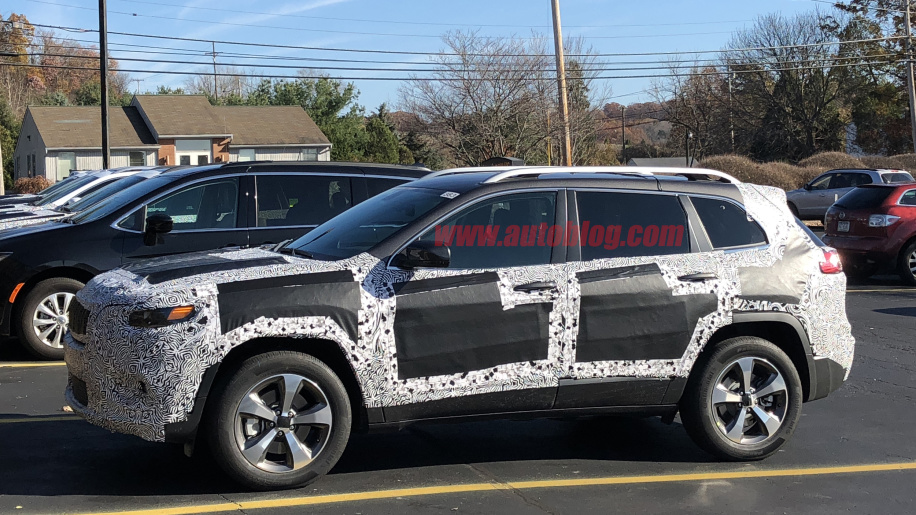 2019 jeep cherokee release date spy photos trailhawk price. Black Bedroom Furniture Sets. Home Design Ideas