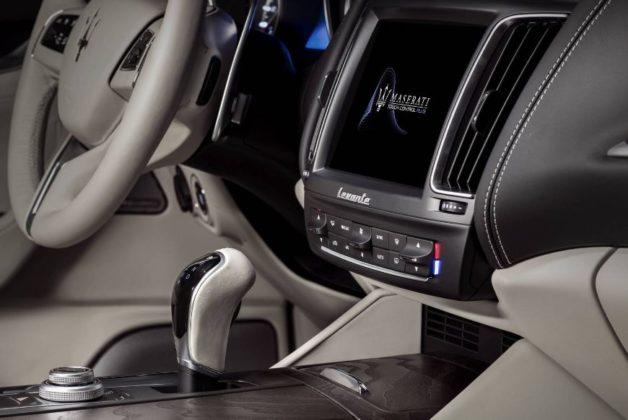 2019 Maserati Levante GTS interior 628x420