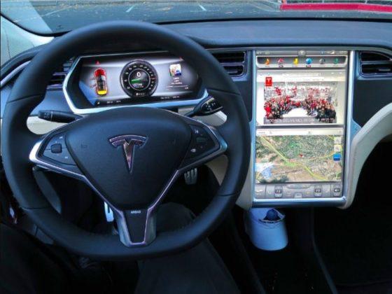 2020 Tesla Model Y interior 560x420